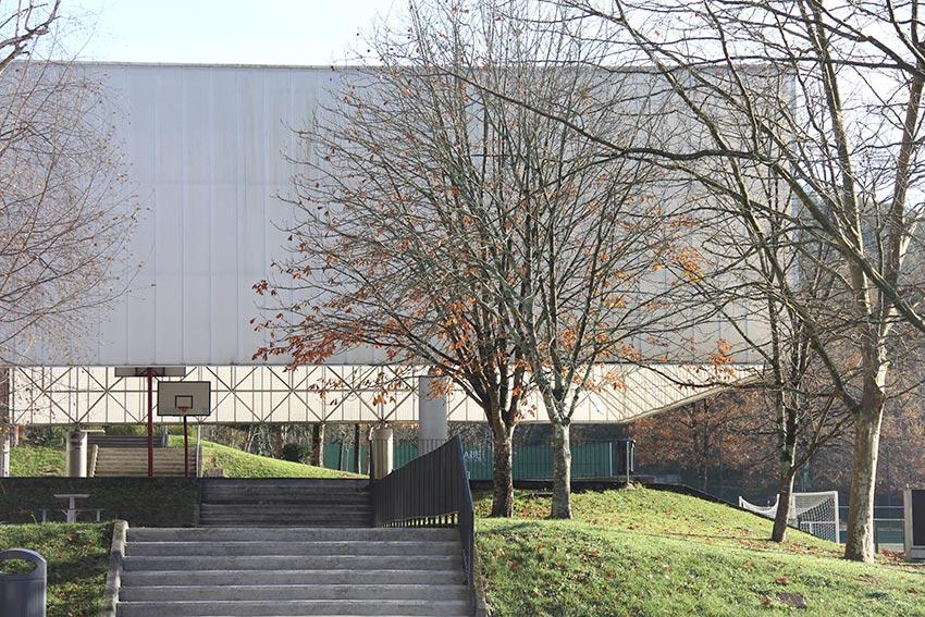 Exterior del Colegio Ayalde, en Loiu, Vizcaya